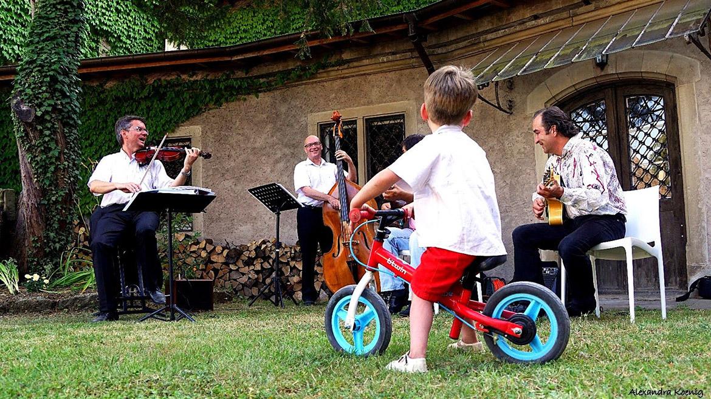 Untermalung mit Jazzmusik bei einer Hochzeit