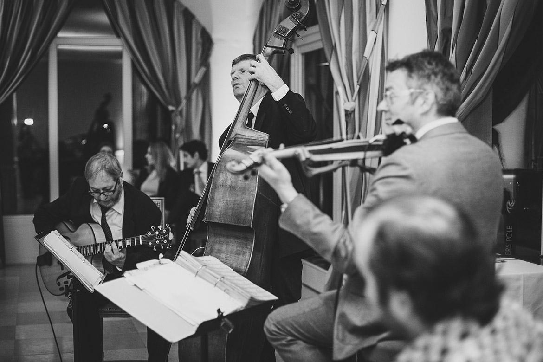 Untermalung mit Jazzmusik von Cordology bei einer Hochzeit