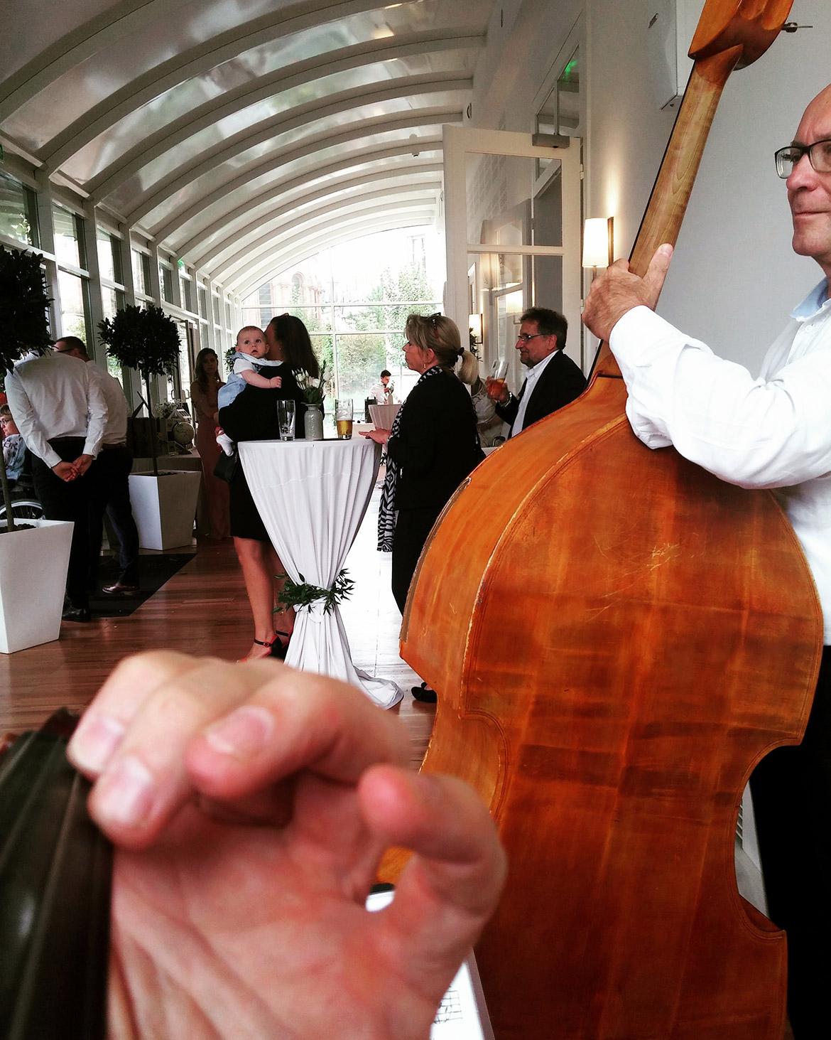 Musikalische Untermalung für eine Hochzeit